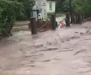 На Буковині через зливи підтоплені вже понад 10 населених пунктів