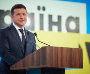 Зеленський хоче запровадити обов'язкові медогляди для українців віком 55+