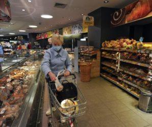 У Польщі продукти удвічі дешевші, ніж в Україні, а середня зарплата втричі вища