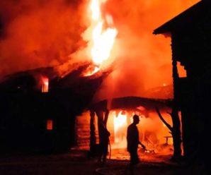 На Закарпатті блискавка спалила базу відпочинку: фото