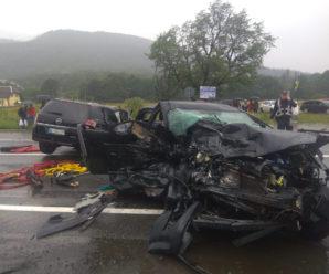 В моторошнвй аварії загинули жінка з 10-річною дитиною: фото і відео жахливої ДТП
