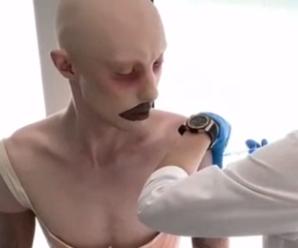 """У Москві на вакцинацію прийшов """"іншопланетянин"""": ВІДЕО"""