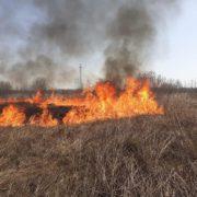 На Івано-Франківщині горіли будівельні відходи та суха трава