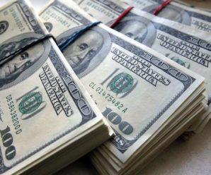 Долар стрімко дешевшає. Фінансисти розповіли, що відбувається на валютному ринку