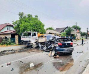 ДТП на Франківщині: зіткнулися легковик і вантажівка – одна людина померла