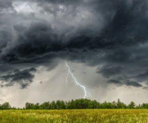 Грози, сильний вітер та град. Сьогодні на Прикарпатті знову очікується негода