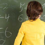 Діти з бідних сімей мають гірші знання з математики, ніж із багатих: дослідження PISA