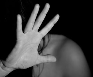 Побив рушницею та сексуально познущався: 36-річний чоловік на березі річки напав на 63-річну жінку
