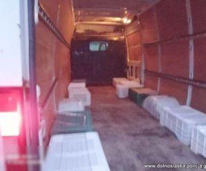 Так українців у Польщі везли на роботу: 29 осіб у вантажному бусі й без сидінь