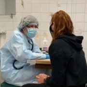 Хто з українців має протипоказання до вакцинації від COVID-19 – МОЗ