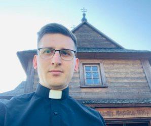 Про червону нитку і чи можна мити голову в неділю: Як священник з Франківщини у соцмережах розвінчує забобони (відео)
