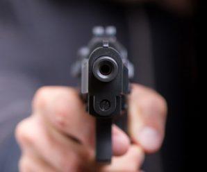 Вночі у Франківському дворі чоловік влаштував стрілянину. Відео