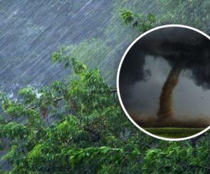 """В Україну йдуть потужні зливи: оголошено """"помаранчевий"""" рівень небезпеки"""