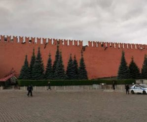 Тривожний знак для Путіна. Обвалилася кремлівська стіна (відео)