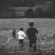 Пішов на війну без дітей, повернувся батьком трьох хлопців: історія дивовижного всиновлення