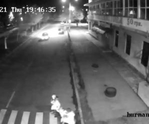 У мережі з'явилось відео смертельної аварії у Калуші, де мотоцикліст збив 6-річну дитину