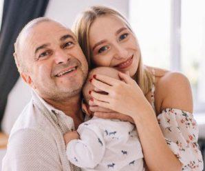 Віктор Павлік і його молода дружина вперше показали обличчя сина